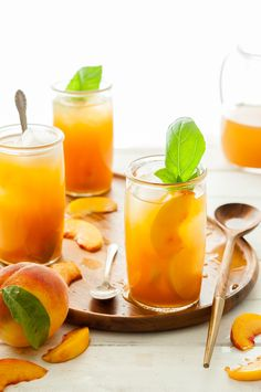 Immune-Boosting peach iced tea - the kitchen mccabe non alcoholic drinks, c Tea Recipes, Cocktail Recipes, Cocktails, Cooking Recipes, Healthy Smoothies, Healthy Drinks, Healthy Recipes, Healthy Food, Milk Shakes