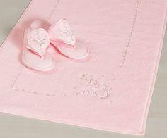 Damskie bambusowe kapcie i dywaniki łazienkowe z kolekcje RUYA w kolorze białe, łosośowe, różowe, smietankowe, jasnożółte.