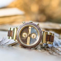 Products Tara (walnut / marble) wood core Water gardening - keeping water clear of algae water garde Most Beautiful Watches, Amazing Watches, Cool Watches, Las Vegas Attractions, Marble Wood, Rose Gold Watches, Britney Spears, Wood Watch, Pop Culture