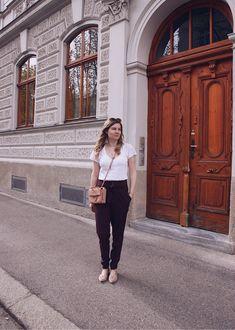 Wie kombiniert man eine Schleifenhose? - daisies and glitter - Lifestyle & Fashion Blog aus Österreich Blog, Jackets, Style, Fashion, Fashion Styles, Ribbon Work, Down Jackets, Swag, Moda