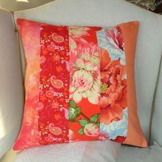 """Housse de coussin """"printemps en fleurs"""", rouge, orange, fuchsia & rose"""