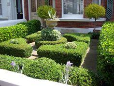 Small Formal Garden Design Ideas