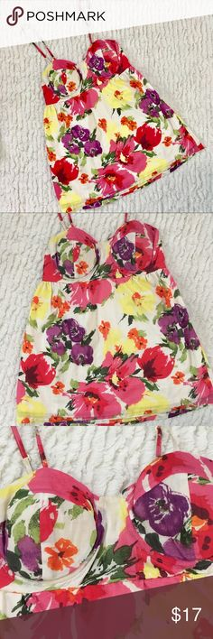 LC Lauren Conrad floral bustier tank size small LC Lauren Conrad floral bustier tank size small. So pretty. Adjustable straps. Elastic back. Arm pit to pit measures approximately 13-14 inches. Total length measures approximately 27 inches. Lined. LC Lauren Conrad Tops Tank Tops