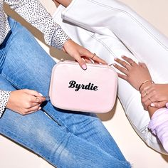 I love this beauty bag for Summer. How cute is this pink case?