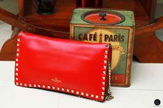 #valentino #valentinobag #bag #handclutch #clutch #handbag #redvalentino #redbag #paris #parisian #vintage #studs #fashion