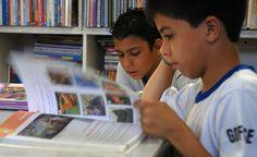 IPT realiza testes para melhorar índice de reciclagem de livros didáticos
