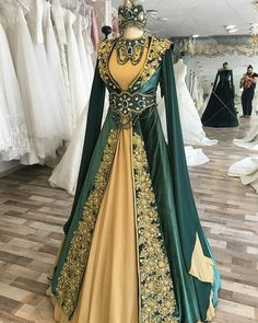 I just love the big masculine dude whose taking this picture haha! I just love the big masculine dude whose taking this picture haha! Pretty Outfits, Pretty Dresses, Beautiful Dresses, Dress Outfits, Fashion Dresses, Dress Up, Fantasy Gowns, Medieval Dress, Indian Designer Wear