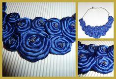 collar de flores azul klein