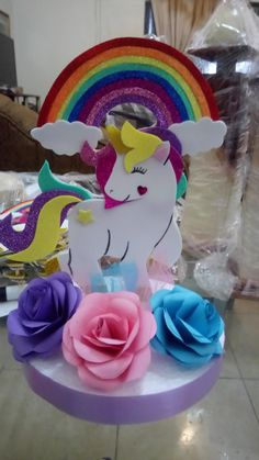 Kids Crafts, Foam Crafts, Diy Arts And Crafts, Paper Crafts, Party Centerpieces, Birthday Party Decorations, Party Themes, Unicorn Themed Birthday, Barbie Birthday