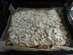Ψάξαμε και βρήκαμε τις 9 πιο νόστιμες μηλόπιτες που κυκλοφορούν αυτή τη στιγμή στο Διαδίκτυο! Ξεκινάμε λοιπόν! Μηλοπιτα αφρατη σαν κεικ Yλικά 4 μήλα σε λεπτές φέτες 1 φλ. βούτυρο 1,5 φλ. ζάχαρη 2 αβγά 2 φλ. αλεύρι φαρίνα 2 κ. γλ. Greek Sweets, Apple Pie, Tart, Bread, Cookies, Recipes, Food, Crack Crackers, Pie