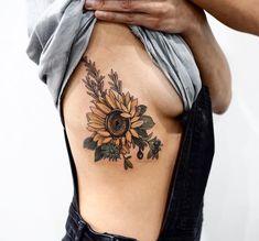 Realistic Sunflower Rib Tattoo Ideas for Women with Color - ideas de tatuaje de . - Realistic Sunflower Rib Tattoo Ideas for Women with Color – ideas de tatuaje de costillas de gira - Sunflower Tattoo Sleeve, Sunflower Tattoo Shoulder, Sunflower Tattoo Small, Sunflower Tattoos, Sunflower Tattoo Design, Bild Tattoos, Body Art Tattoos, Small Tattoos, Sleeve Tattoos
