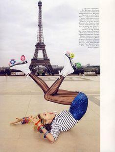 Vogue Paris - A Toutes Jambes