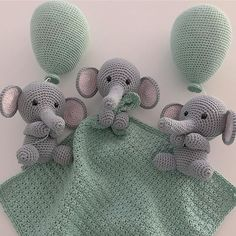 Selvik Jacket pattern by DROPS design Yarn Projects, Diy Projects To Try, Crochet Projects, Crochet Animals, Crochet Toys, Knit Crochet, Diy Christmas Cards Pop Up, Baby Barn, Crochet Bebe