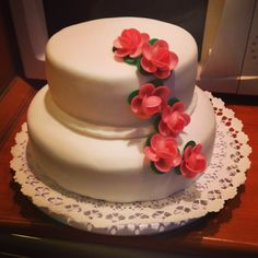 white cake with flowers #raspberry and #chocolate