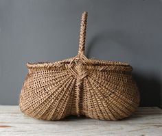 American antique buttocks basket