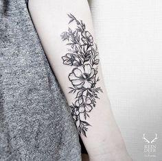 ... Tatouage ️ on Pinterest | Creative Flower and Bouquet tattoo