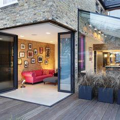Apartment building exterior renovation 25 ideas for 2019 Glass Extension, Rear Extension, Extension Ideas, Casa Loft, London Architecture, Architecture Interiors, House Extensions, Kitchen Extensions, Building Exterior