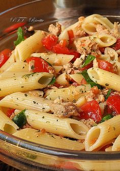 Chicken Penne Pasta with Bacon and Spinach in Creamy Tomato Sauce Penne Pasta Salads, Chicken Penne Pasta, Bacon Pasta, Italian Dishes, Italian Recipes, Creamy Tomato Sauce, Stuffed Hot Peppers, Light Recipes, Summer Recipes