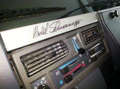 Schwarzenegger predáva svoj špeciálny Mercedes Unimog U1300 SE. Dokonca ho aj podpísal.  foto: mobile.de