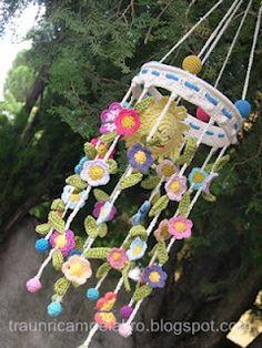 tutorial - thought of you Carol Crochet Baby Mobiles, Crochet Bunting, Crochet Garland, Crochet Mobile, Crochet Decoration, Crochet Flower Patterns, Crochet Flowers, Crochet Home, Crochet Gifts