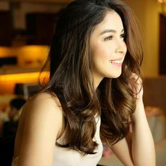 Jeffries 🍟  Oct 8 Gorgeous Slayer My Queen😍👑✨💕 Palmolive girl duties tonight💕 Filipina Actress, Actresses, Queen, Long Hair Styles, Instagram Posts, Model, Beauty, Female Actresses
