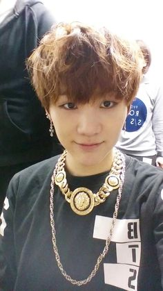 suga's twitter update  Just by his cute selcas you would never know he's full of pure rap goodness