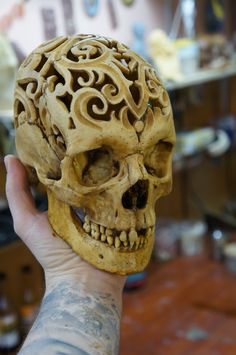 That realistic skulls are made of durable plastic (size 1:1) and also feel like a real one to the touch and looks like it as well. That skull can be great allowance for artists, students and professors in medical sphere and as amazing, unordinary gift, which will produce an impact on anyone! Weight: 500 grams. lightweight, but sturdy