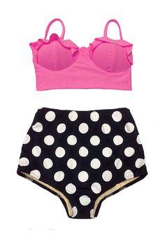 He encontrado este interesante anuncio de Etsy en https://www.etsy.com/es/listing/175854509/pink-midkini-top-and-black-polka-dot