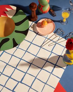 Called La Musique, and inspired by the 1939 painting of the same name, this ceramic tableware collection was produced by the newly launched Maison Matisse. Dorm Posters, Indie Room, Ceramic Tableware, Ship Lap Walls, Vogue China, White Aesthetic, Still Life Photography, Looks Cool, Magazine Design