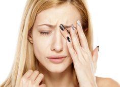 Достаточно часто на отдыхе возникают ситуации, когда в глаз попадает инородное тело. Мы расскажем Вам о правилах первой помощи при травмах глаз. Ведь правильные действия в первые минуты после получения повреждения облегчат дальнейшее лечение и помогут избежать неприятных последствий.  ✅Ситуация. В глаз попала песчинка, ресница, мошка и т. д.  Что делать?  В первую очередь нужно активно поморгать – возможно, этого будет достаточно, чтобы удалить инородное тело из глаза вместе со слезной…