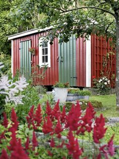 Red Cottage, Garden Cottage, Sweden House, Red Houses, Ocean House, Front Door Colors, Dream Garden, Garden Inspiration, Outdoor Living