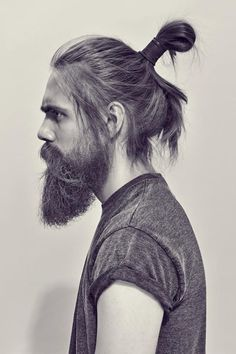 17 Most Successful Indie Hairstyles Men Man Bun Options For Your Cropped Locks 25 Hot Hipster Hairstyles For Guys Guide) Examples of hipster hairstyles for guys include the classic undercut or f Man Bun Haircut, Man Bun Hairstyles, Easy Mens Hairstyles, Hipster Hairstyles, Classic Hairstyles, Haircuts For Men, Straight Hairstyles, Military Hairstyles, Cropped Hairstyles