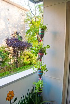 3DPrintler's 3Dponics system turns a few two liter bottles and an aquarium air pump into an eco-friendly garden you can plant just about anywhere. http://thingiverse.com/thing:376158