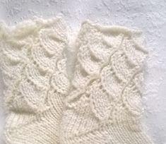 Lumioosi: Kaaripitsisukat vauvalle ja kädentaitomessut Knitted Hats, Knitting, Baby, Patterns, Knit Hats, Block Prints, Tricot, Knit Caps, Stricken