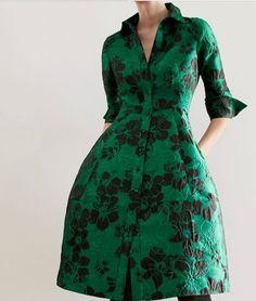 Carolina Herrera 2019 green and floral dress Winter Dresses, Day Dresses, Nice Dresses, Vestidos Carolina Herrera, Ch Carolina Herrera, Dress Me Up, New Dress, Trendy Dresses, Fashion Dresses