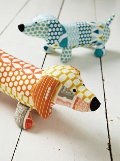 Jo Carter's sausage dog in issue 8 of Love Patchwork & Quilting