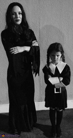Morticia and Wednesday Addams - Halloween Costume Contest - My next Halloween costume with my girl :D