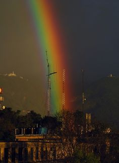 Rainbow over the city of Bogota What A Wonderful World, Beautiful World, Places To Travel, Places To Visit, Rainbow Warrior, Tropical, Over The Rainbow, Lionel Messi, Wonders Of The World