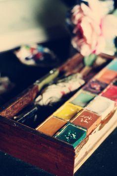 noperfectdayforbananafish:    Paintbox (by horrigans)