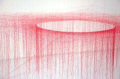 Thread Art. Akiko Ikeuchi. http://knittingandcrocheting-club.blogspot.com.es/2013/09/thread-art-string-art-indoor.html