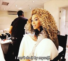 Beyonce getting her hair done and looking banging! #Beyonce #Hair