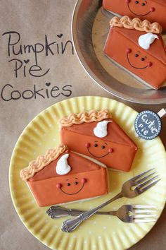 Munchkin Munchies: Pumpkin Pie Decorated Sugar Cookies