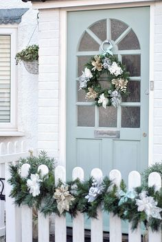 Bringing Christmas outside. Christmas exterior ideas by Torie Jayne Cottage Living, Coastal Cottage, Coastal Homes, Coastal Living, Coastal Decor, Cottage Style, Cottage Christmas, Coastal Christmas, Noel Christmas
