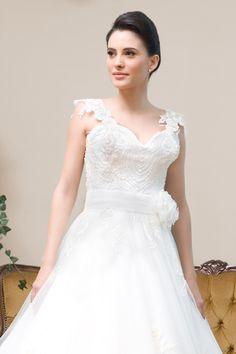 Rochii de Mireasa- Colectia 2011 Calin Events One Shoulder Wedding Dress, Wedding Dresses, Fashion, Bride Dresses, Moda, Bridal Gowns, Fashion Styles, Weeding Dresses, Wedding Dressses