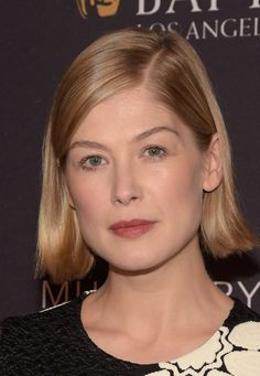 21 Times Rosamund Pike Proved That Short Hair Is A Work Of Art