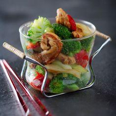 Découvrez la recette Poulet sauté aux brocolis sur cuisineactuelle.fr.