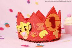 Corona cumpleaños para Héctor con el Rey León