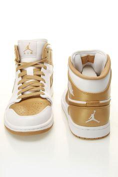 best service f0f11 2127a Whitegold Air Jordan 6 Nike Air Jordans, Jordans Sneakers, Nike Air Max