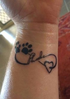 Tattoos und Haustiere – Tatoo for Noel Wrist Tattoos, Dog Tattoos, Animal Tattoos, Body Art Tattoos, Tattoo Cat, Tatoos, Pet Memory Tattoos, Paw Print Tattoos, Memorial Tattoo Quotes