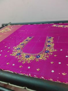 Maggam Works, Work Blouse, Blouse Designs, Beach Mat, Stitching, Outdoor Blanket, Embroidery, Wedding, Fashion